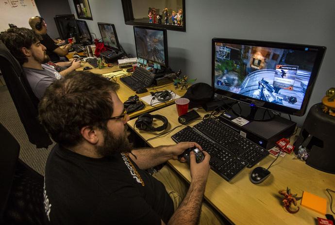 Trợ lý sản xuất game làm công việc gì ?